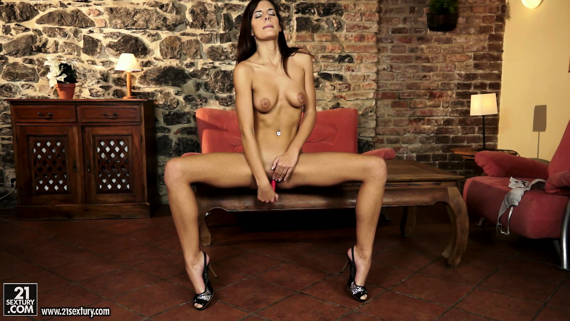 Porno Video of This Hot Brunette Babe Gives A Perfect 10 Solo Performance With Her Dildo