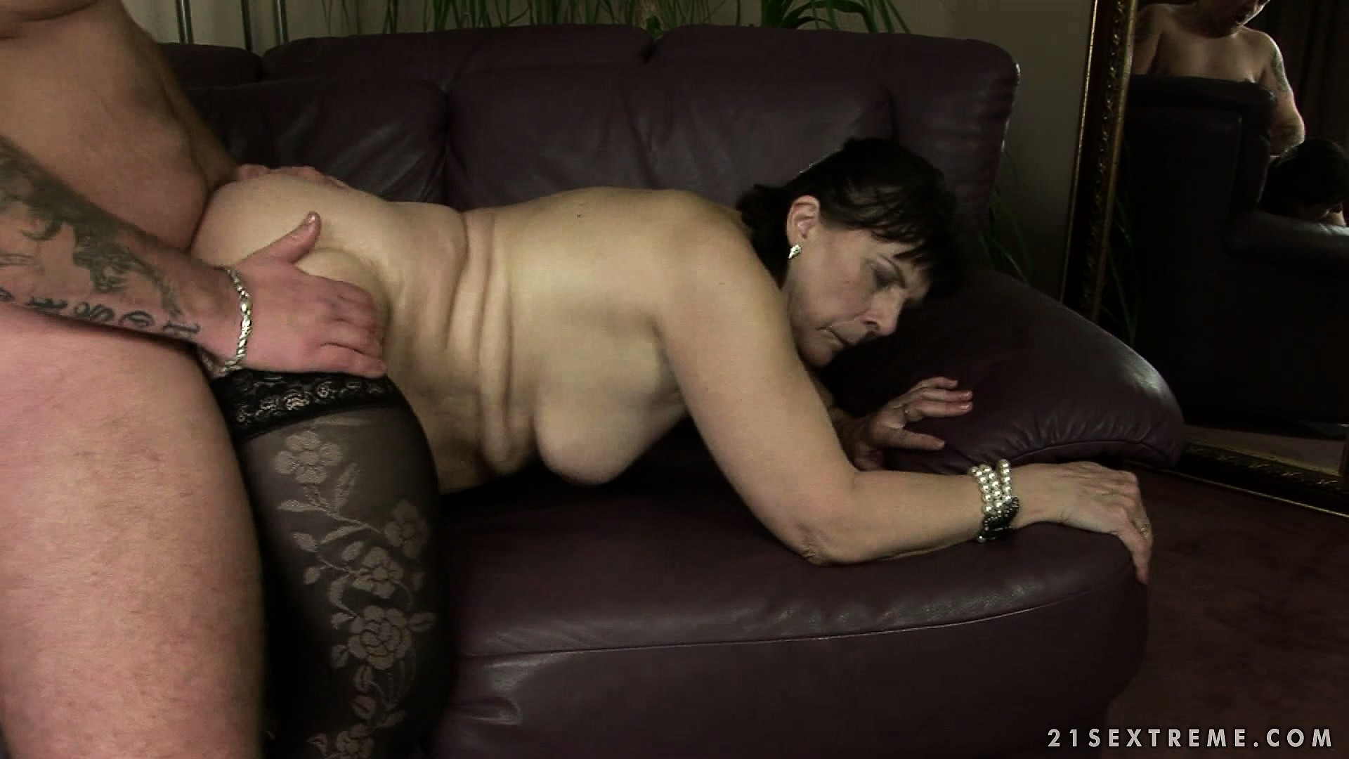 Porno Video of She Enjoys The Pussy Pounding Action On The Sofa Before Licking His Ass