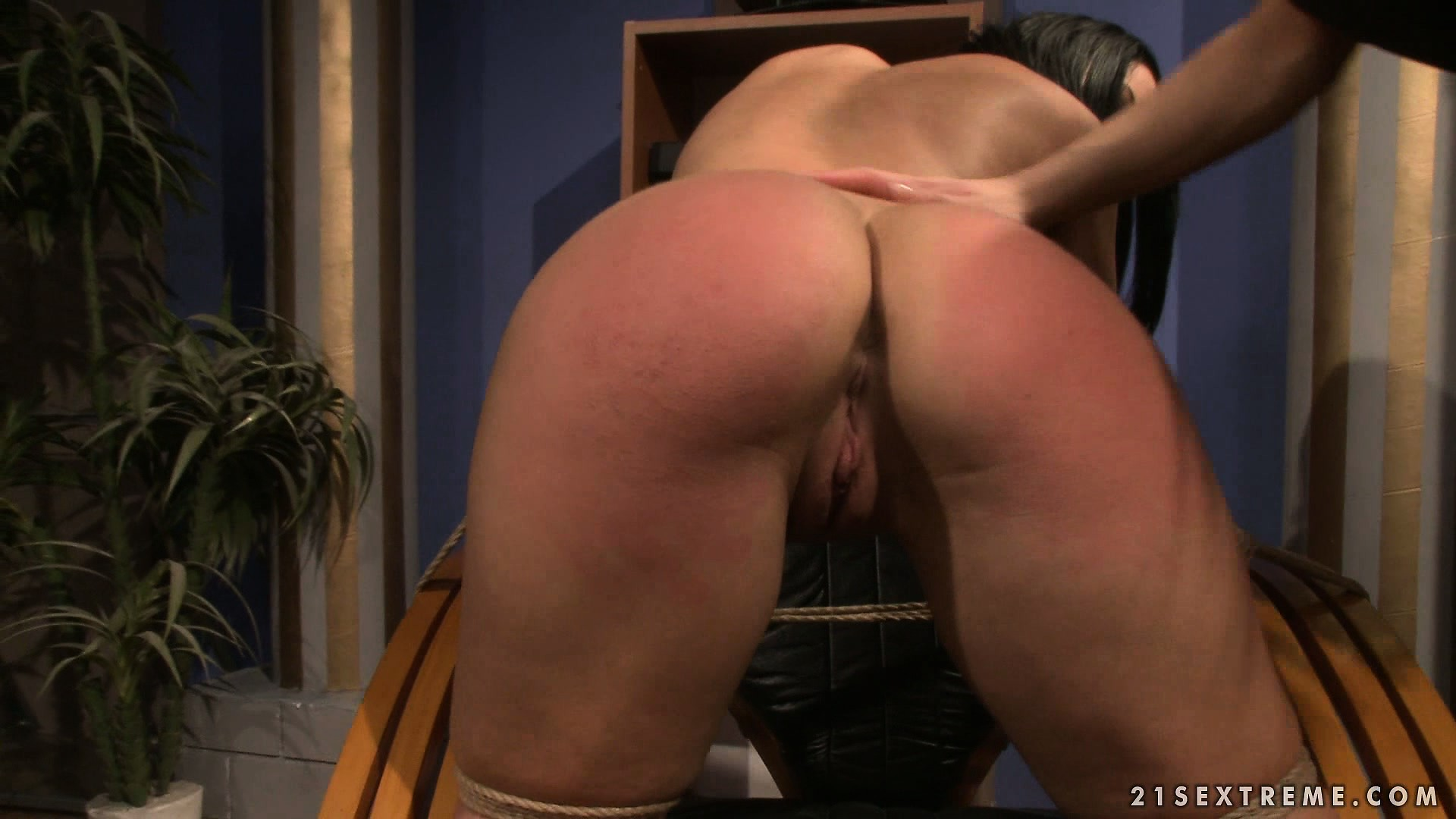 Porno Video of Executive Secretary Gets Tied Up By Her Boss And Gets Ass Spanked