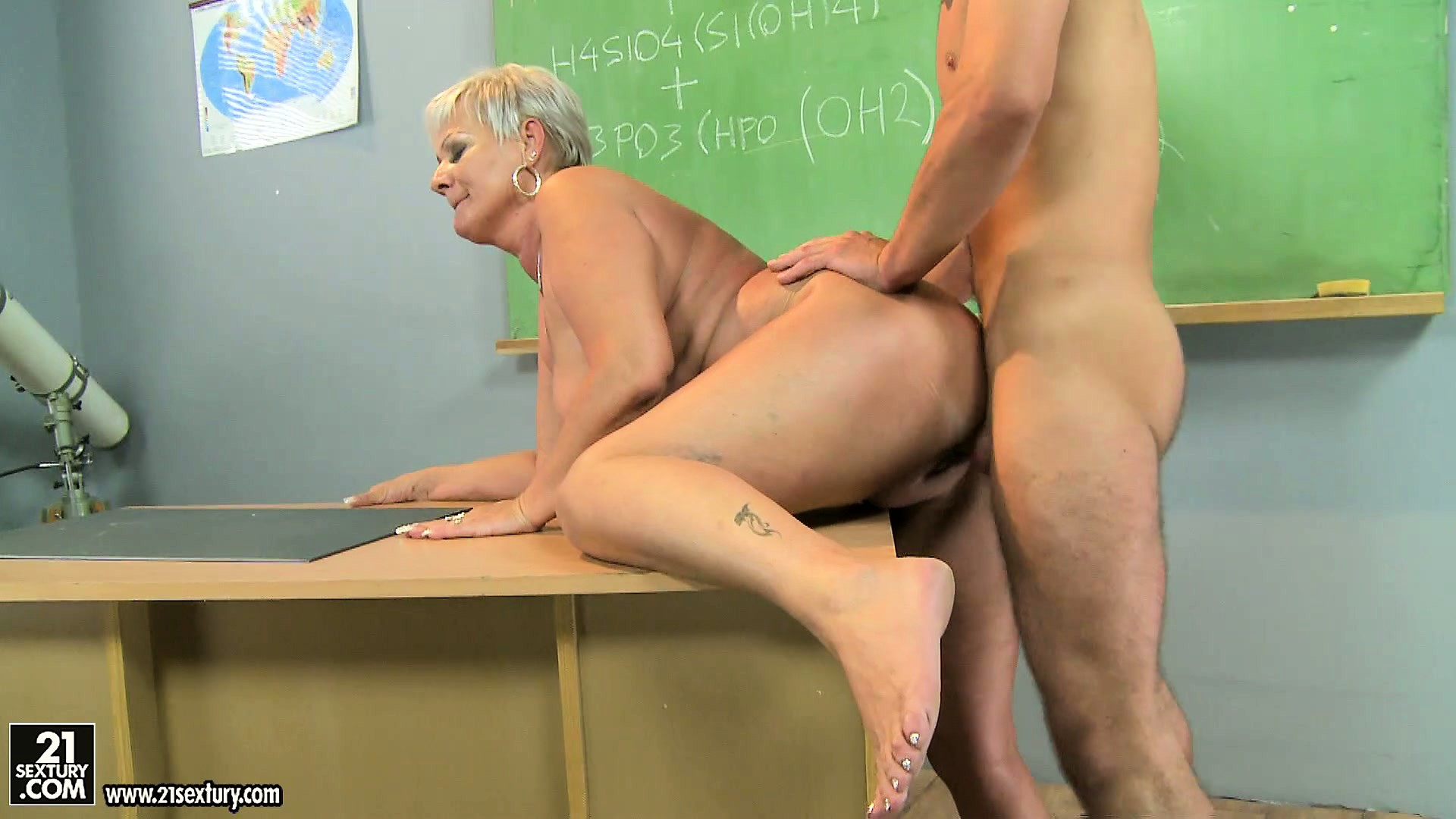 Porn Tube of Chemistry Teacher Is Being Fucked By Her Favorite Student In Classroom