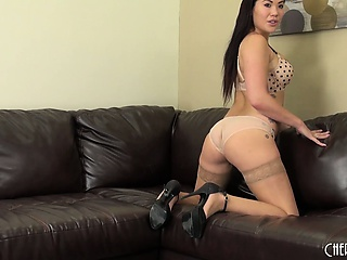 holy moley, sexy brunette babe london keyes looks hot in her thigh high stockings