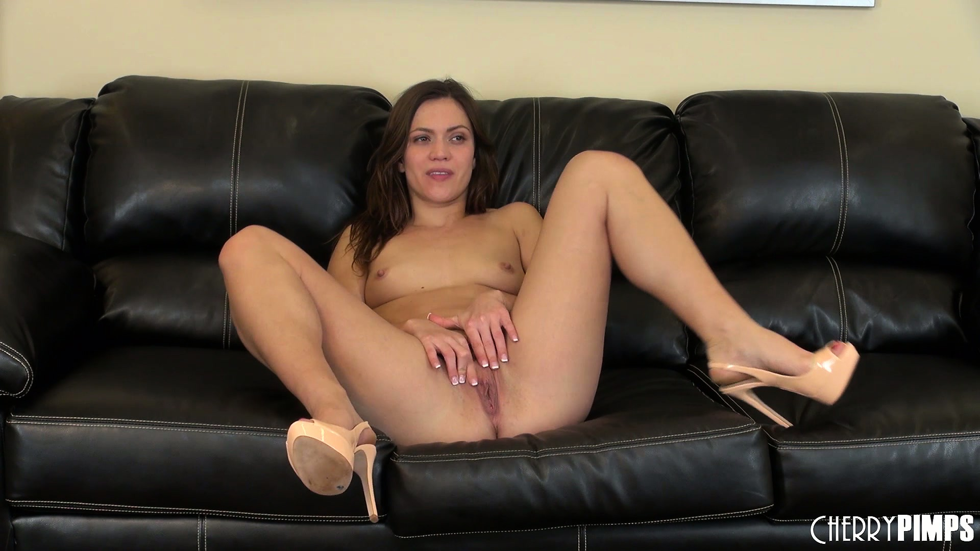 Porno Video of Alyssa Reece Keeps Her Sexy High Heels On While Rubbing Her Cunt
