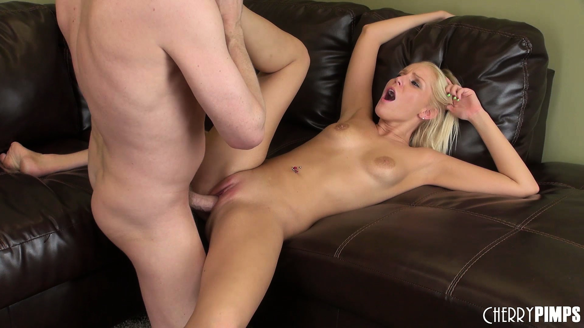 Porno Video of Vanessa Has Him Pounding Her Deep And Hard And Finishes Him Off With Her Lips