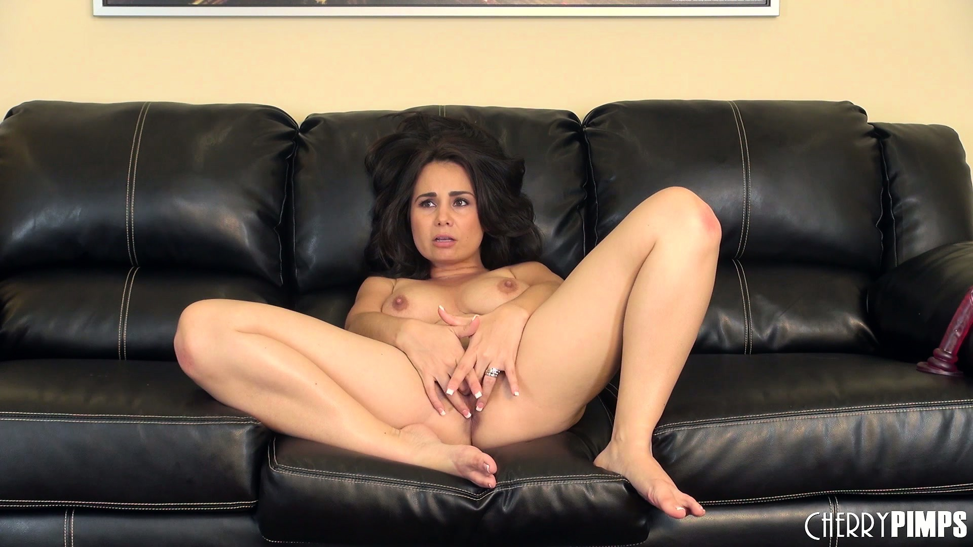 Porno Video of Holly Shows Of Her Wonderful Body On The Couch, Yearning For Some Action