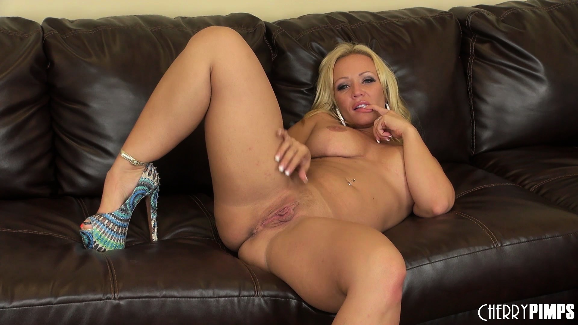 Porn Tube of Austin Taylor Is A Dazzling Blonde With Splendid Tits, A Divine Ass And A Wild Cunt