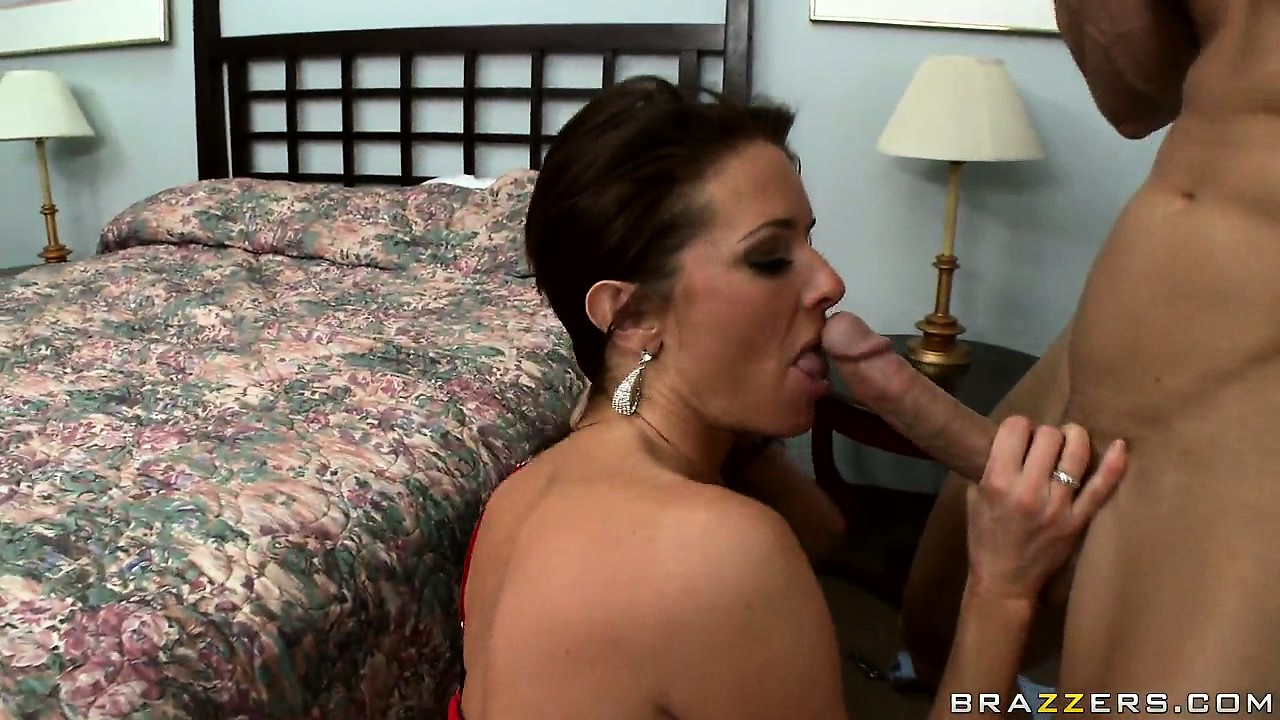 Porno Video of Dazzling Mature Brunette With Hot Big Tits Love To Suck Cock