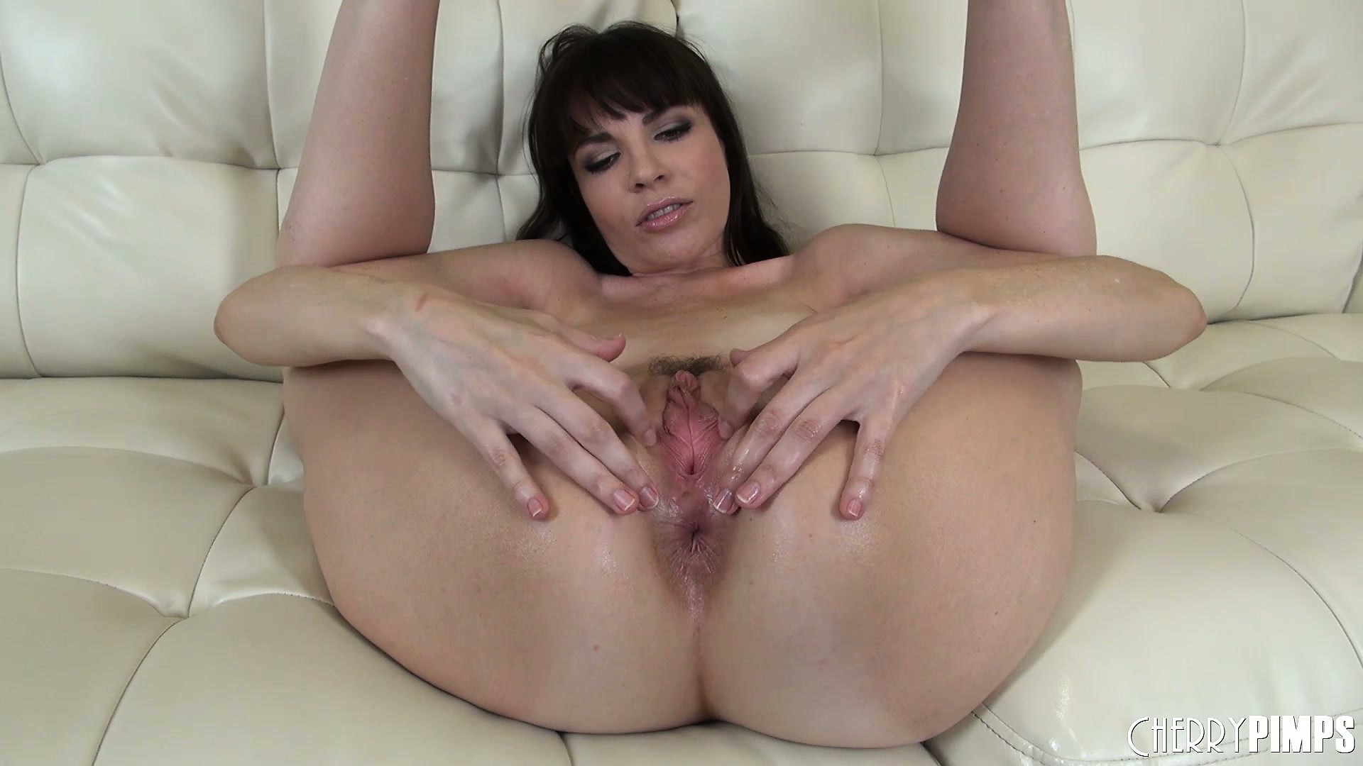 Porno Video of Dana Dearmond Gives A Hot Solo Performance Then Hooks Her Butthole