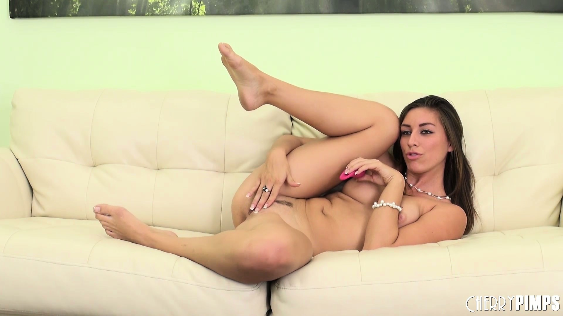 Porno Video of Rilynn Rae Isn't So Shy Now That She's Naked With A Vibrating Toy In Her Snatch