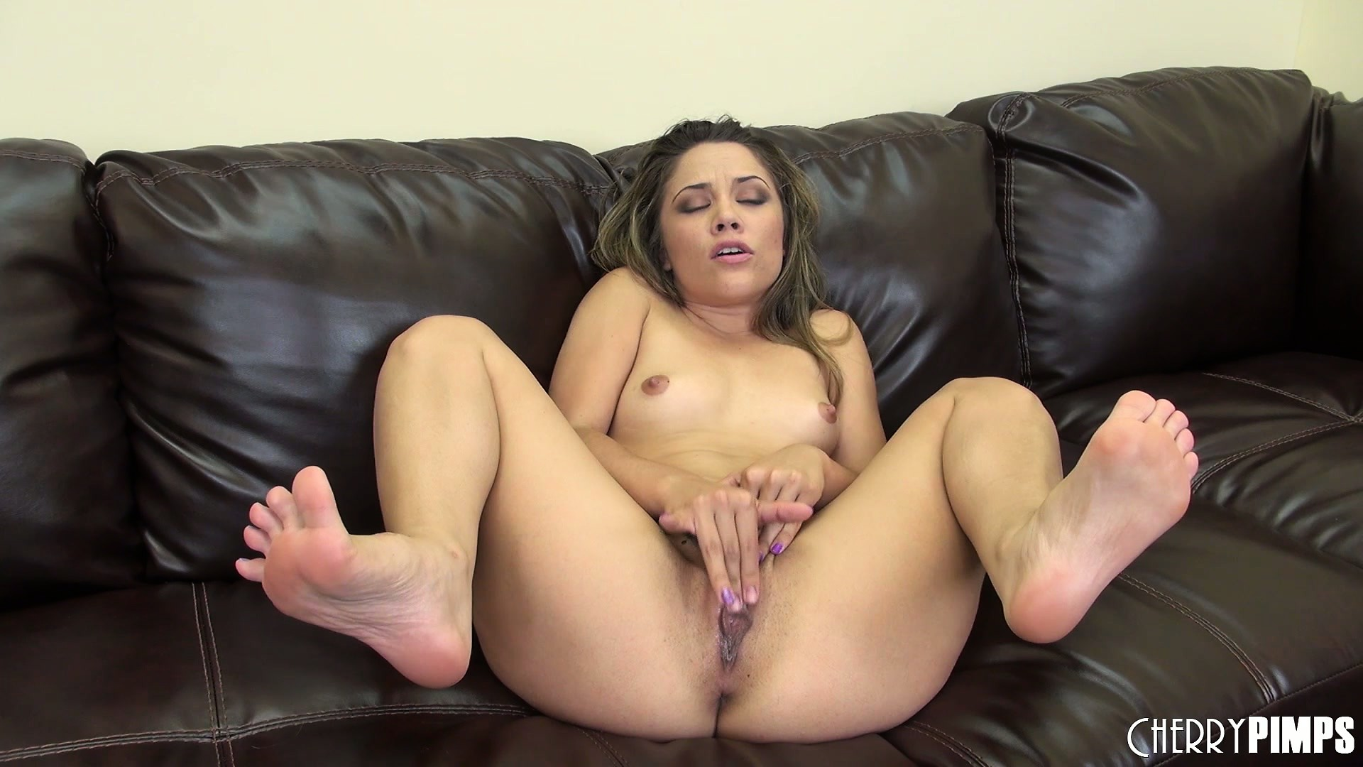 Porno Video of Kristina Rose's Toes Curl Up While She Rubs Her Fresh Young Pussy
