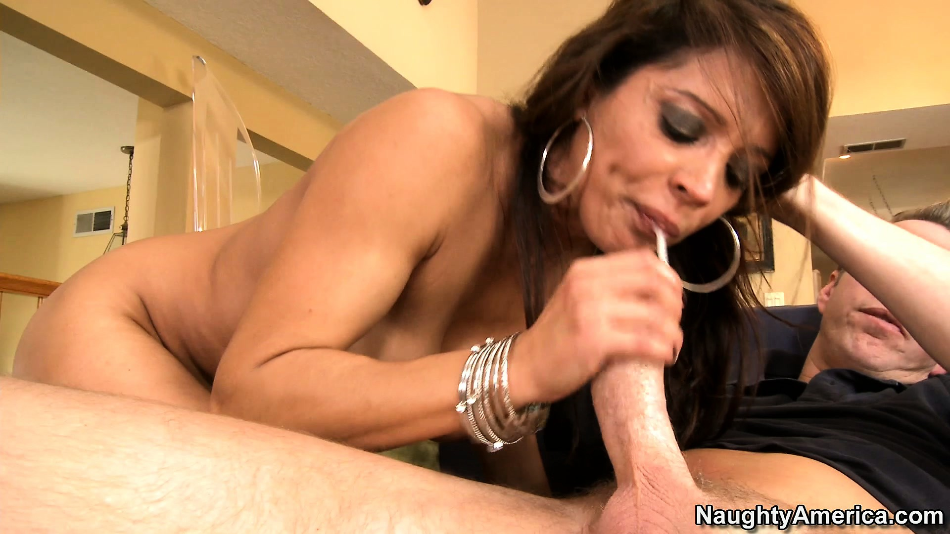 Sex Movie of Francesca Le Shaking Her Massive Behind On Top Of A Strong Shaft