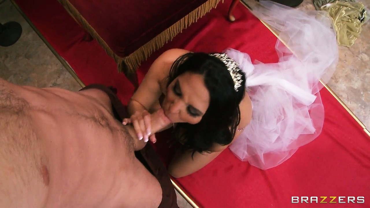 Porno Video of She Looks Like A Princess But She Gives Head Like A Dirty Whore