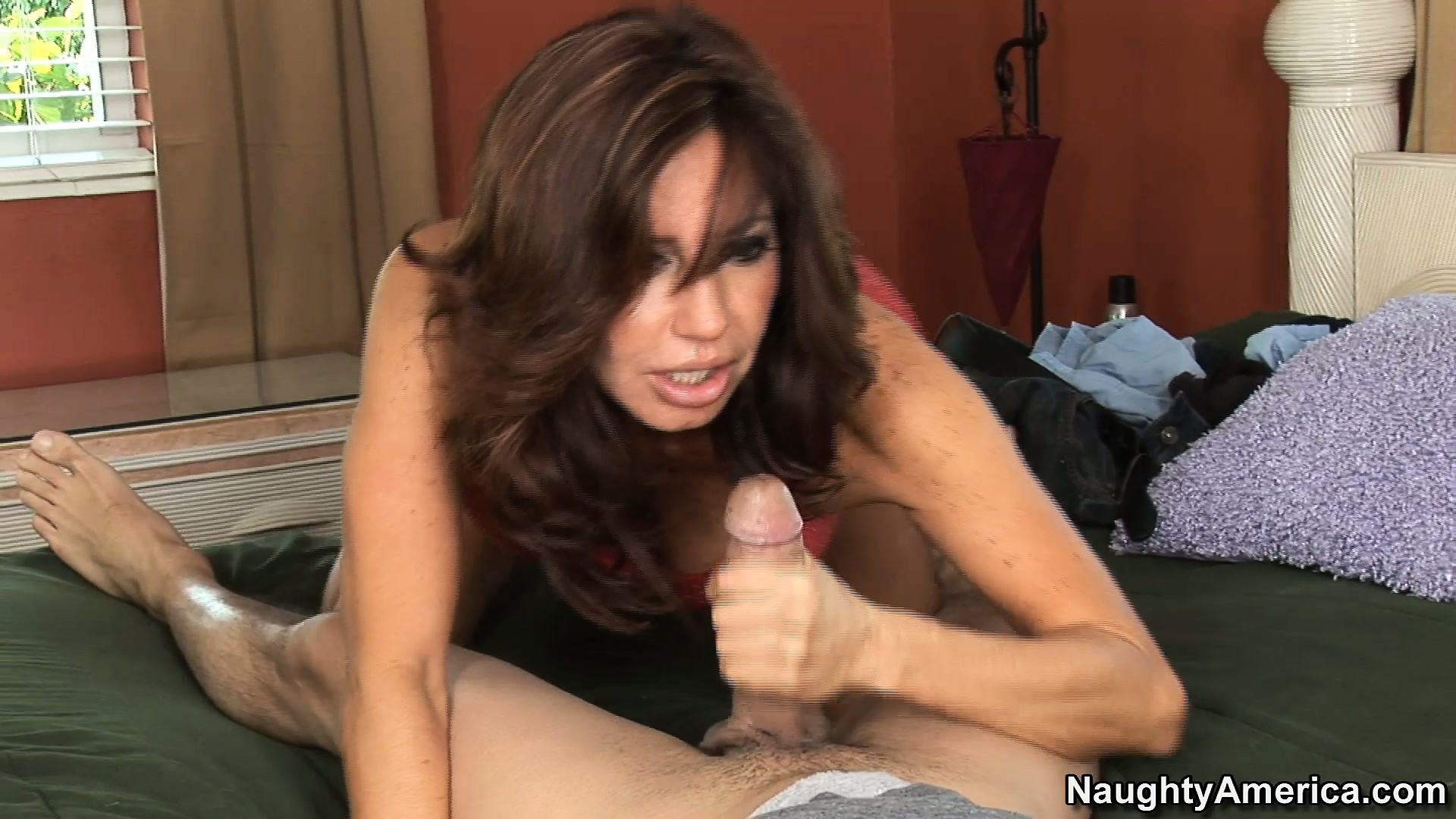 Porn Tube of Perfect Slut Tara Holiday Delivers Perfect Mouth Work For Jack In The Box
