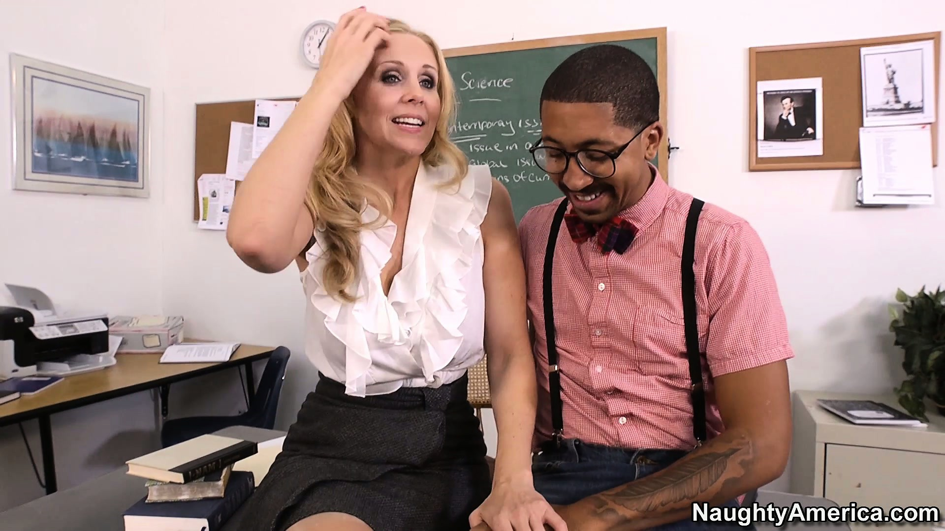 Porno Video of Hot Blonde Teacher Julia Ann Seduces Her Student In Order To Fulfill Her Fantasies