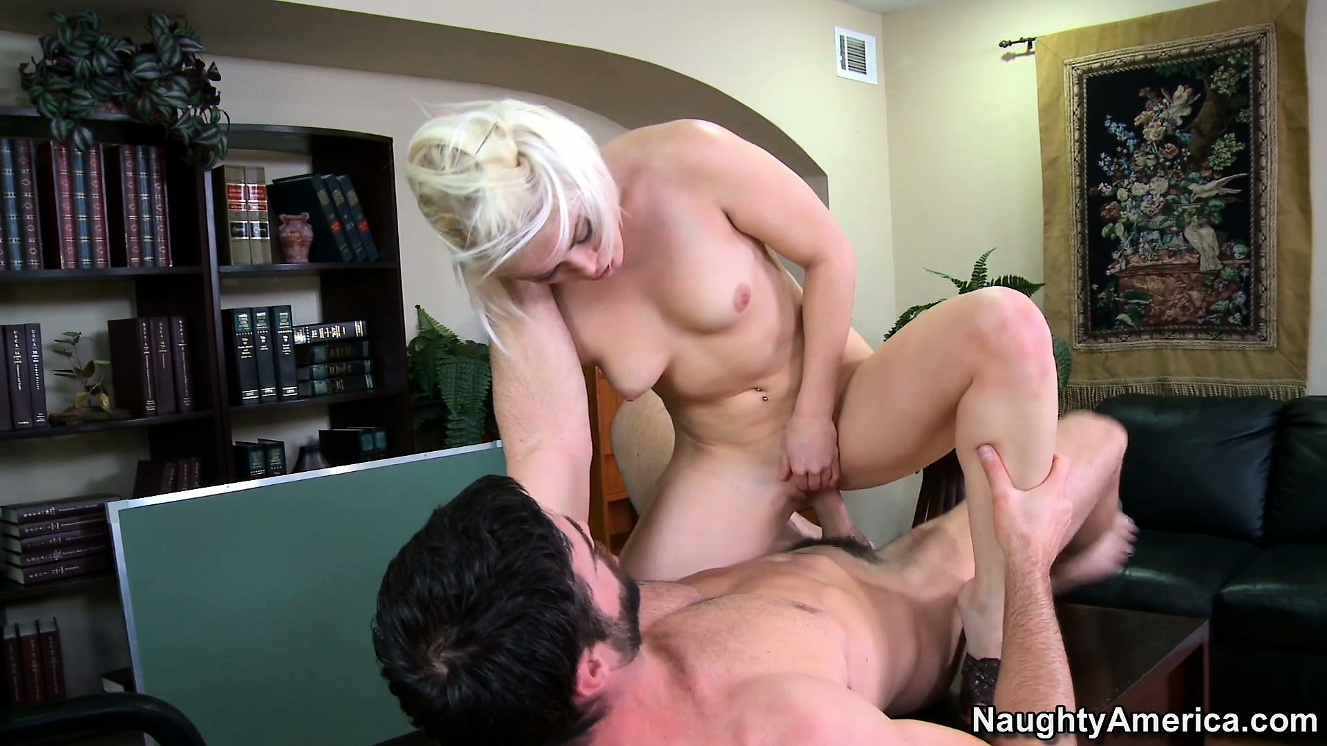 Porn Tube of Hottie Ash Hollywood Has A Hankering For His Hunk Of Hot Meat In Her Pie Hole