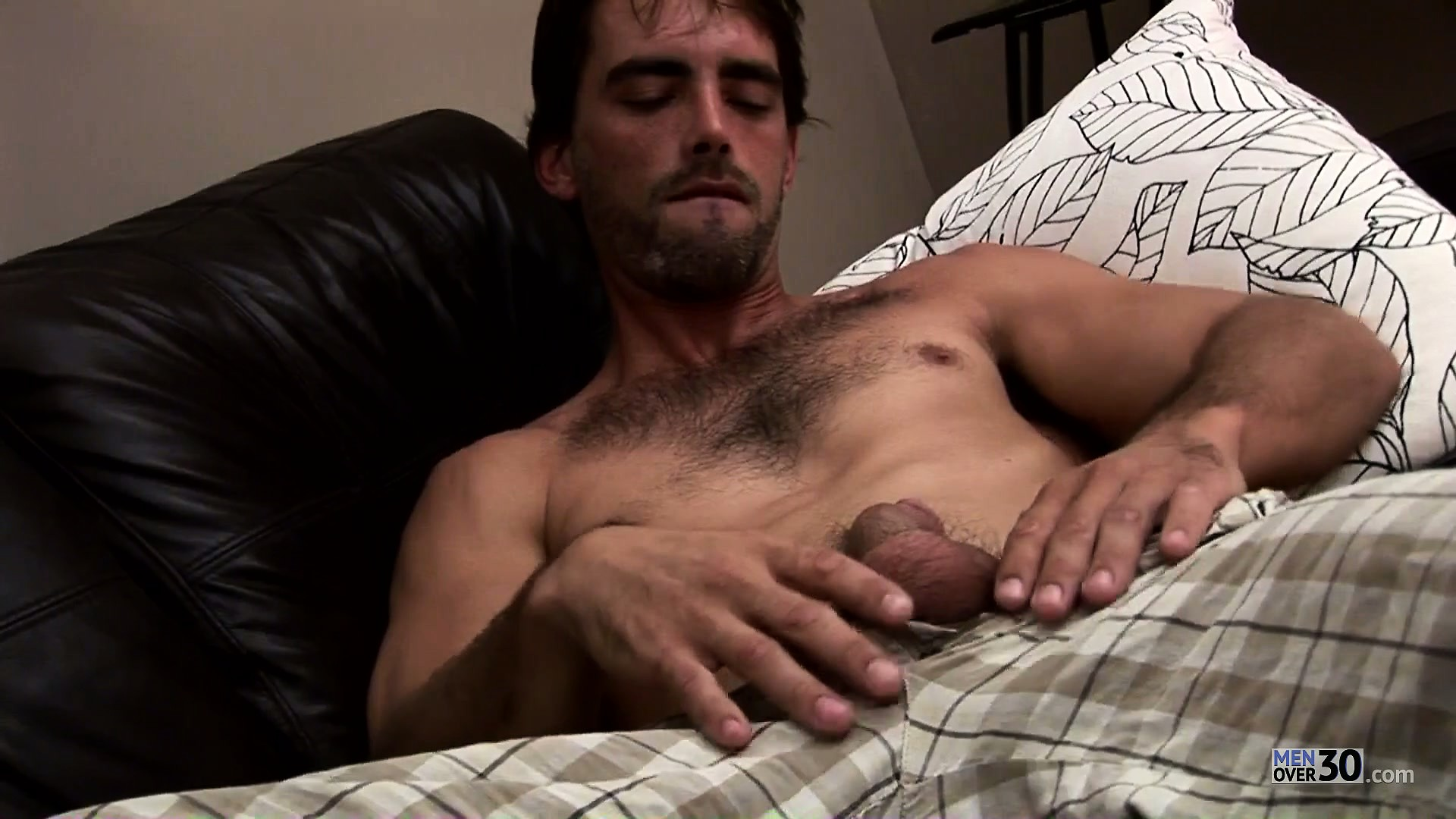Porno Video of Hunky Dude Joe Parker Slips His Hands Up And Down His Stiff Poker