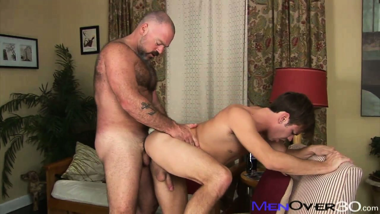 Porno Video of Mature Hairy Man Eats Young Cock And Licks His Taste Twink Ass