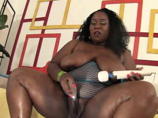Curvy Black Hottie With Huge Boobs Plays With Her Favorite Toys