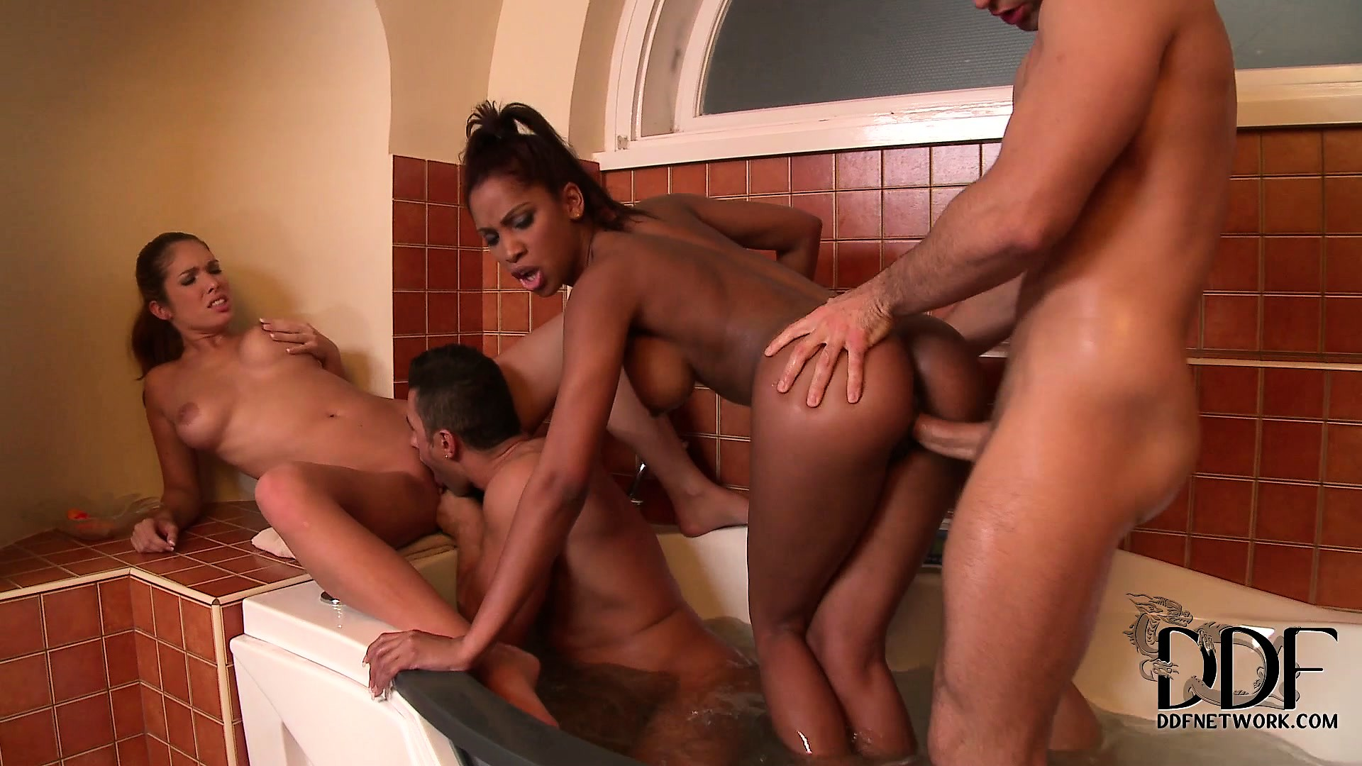 Porno Video of White And Black Babes Get Down With Their Men In The Bathroom