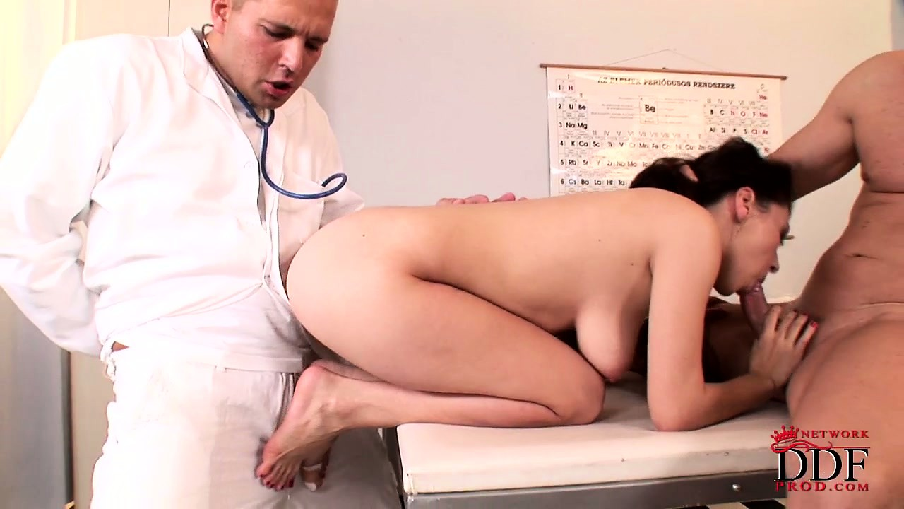 Porno Video of Brunette Patient Gives Head To Her Man And Gets Fucked By The Doctor