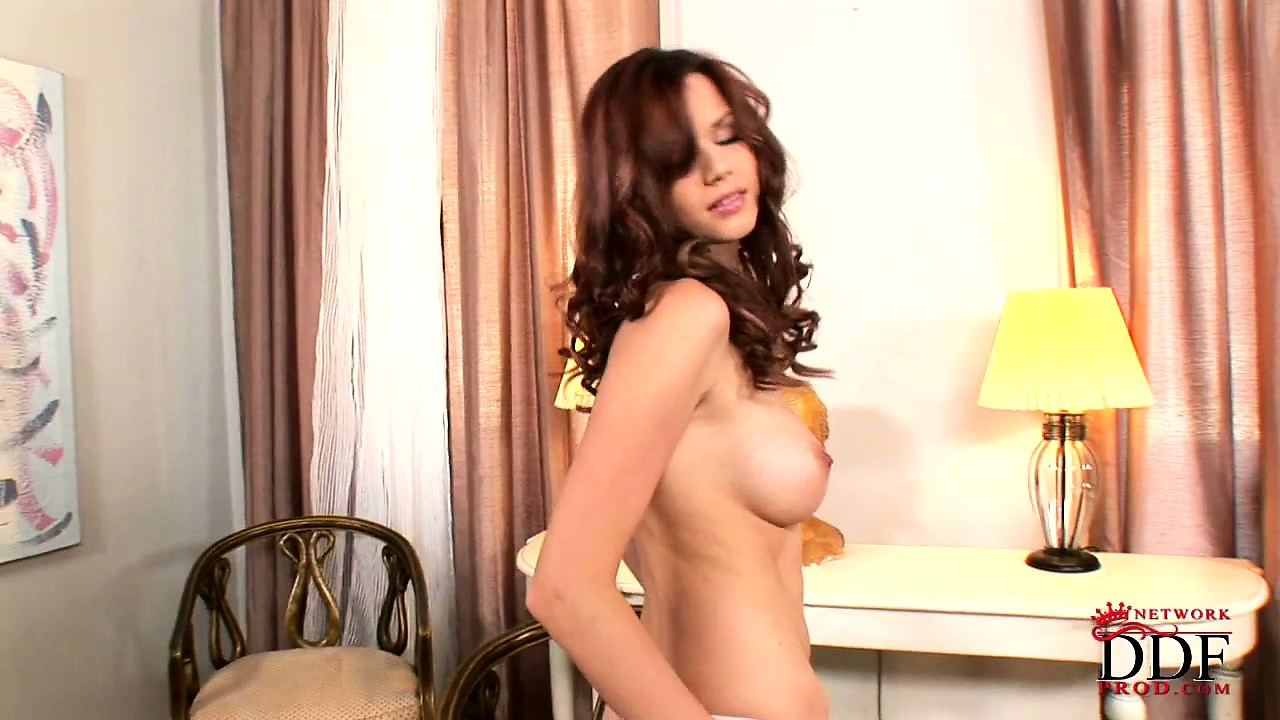 Porno Video of Seductive Brunette Babe In Sexy Lacy Panties Plays Nice In A Solo Show
