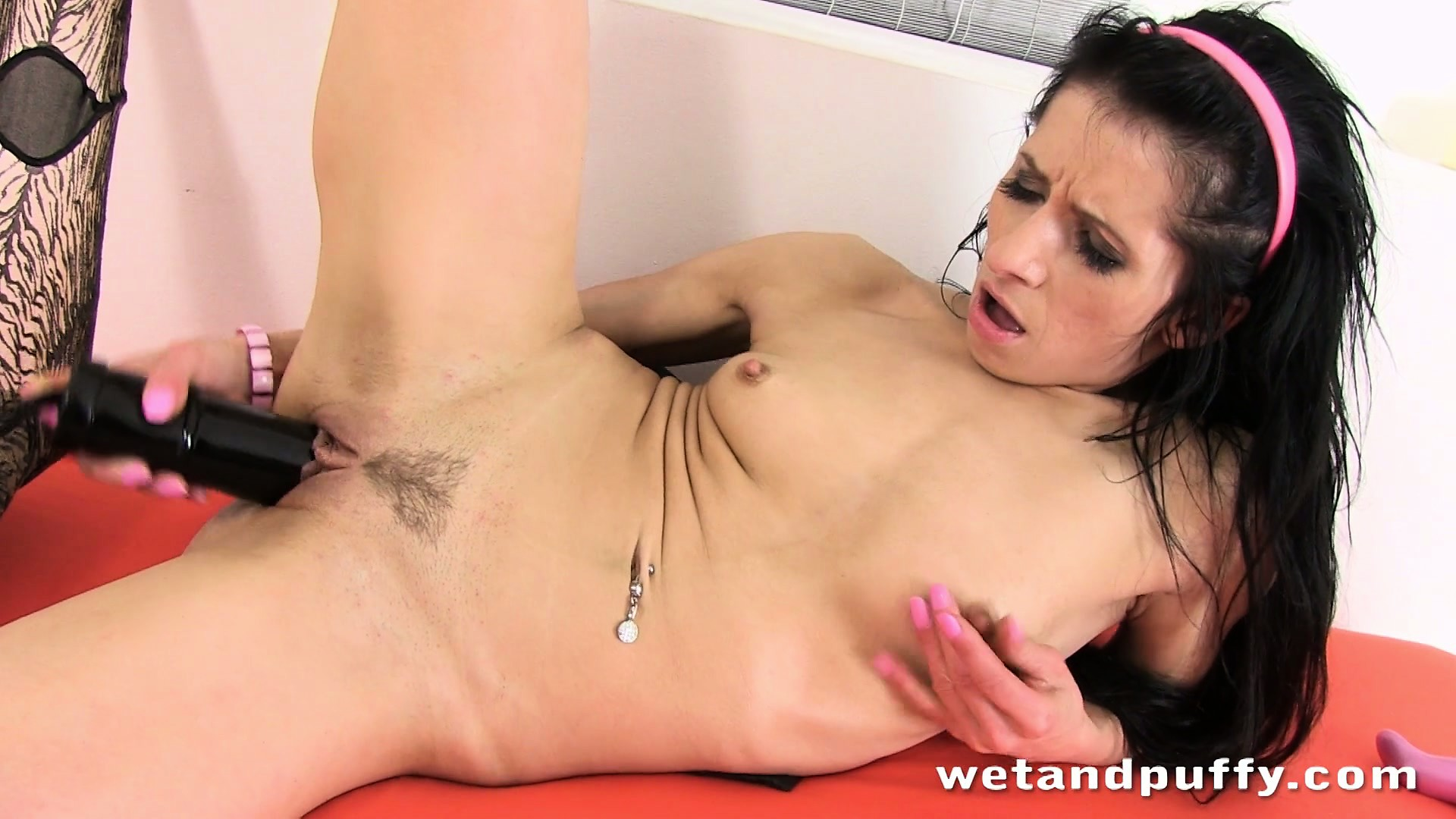 Porn Tube of Skinny Brunette Babe Fills Her Pussy Up With A Large Sex-toy