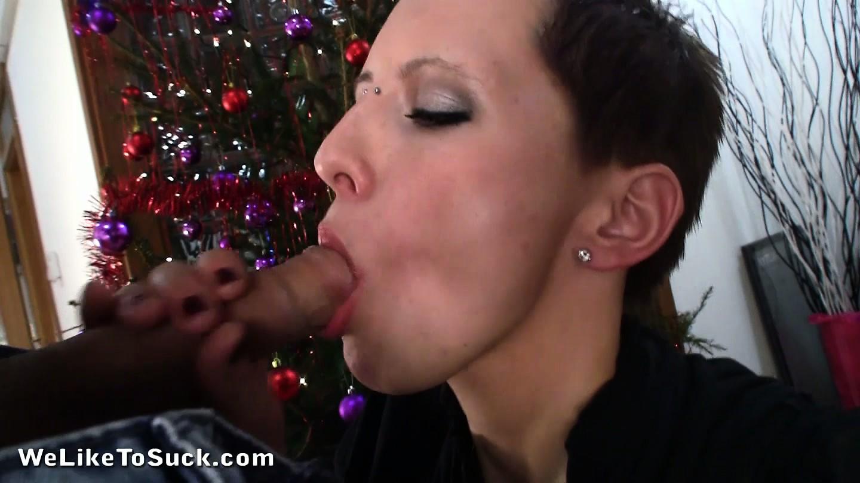 Porno Video of Thirsty Wet Bitch Squeezes Her Pink Starfish Around A Throbbing Boner