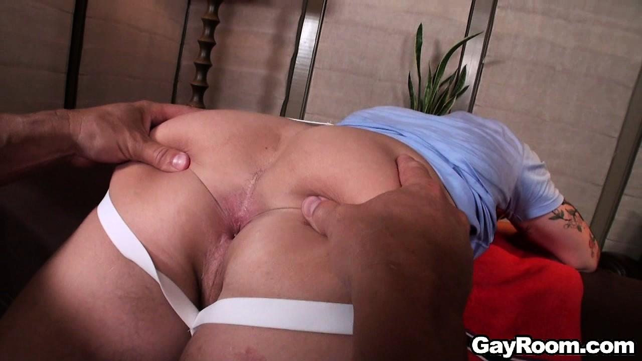 Porno Video of Lying On The Massage Bed, The Young Stud Gets His Body Covered With Oil