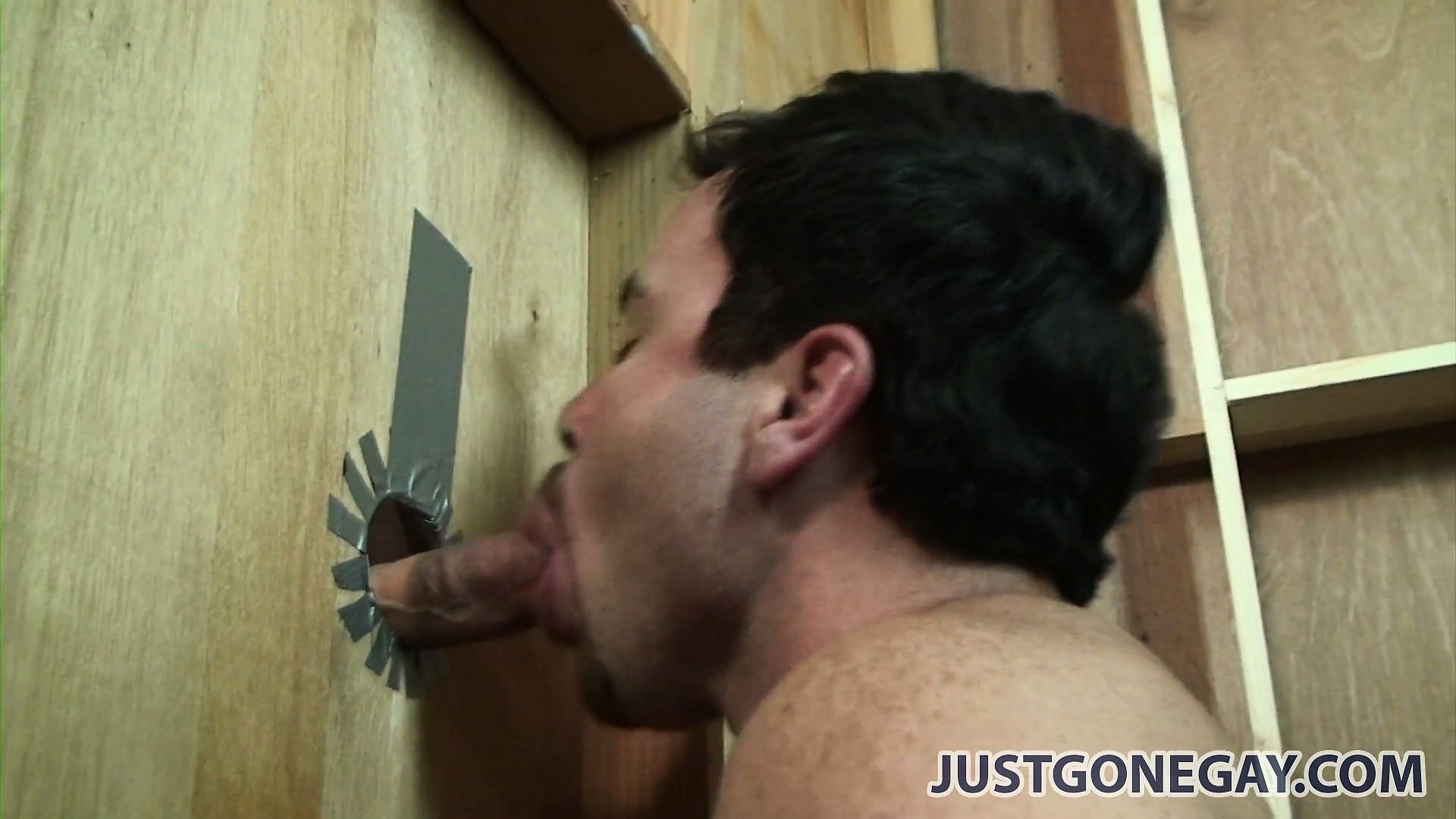 Porn Tube of This Guy Has Got No Idea That The One Sucking Him Through A Glory Hole Is A Man