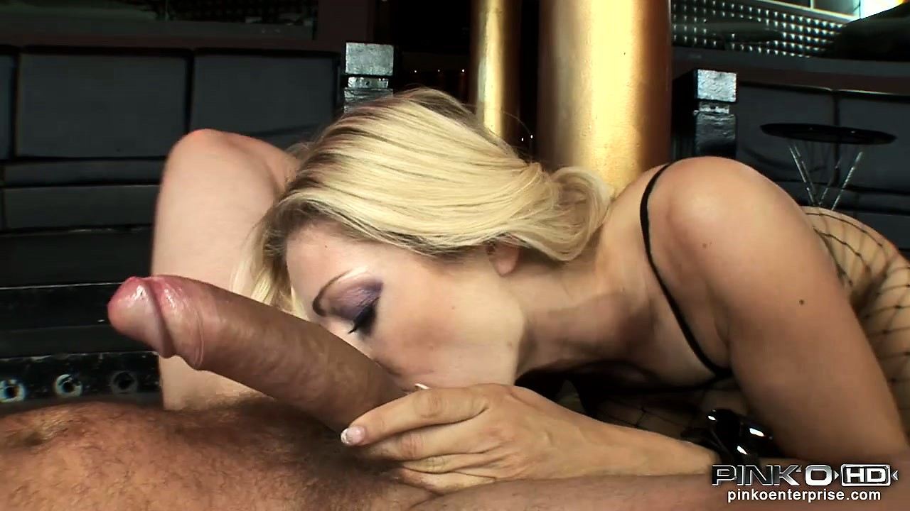 Porn Tube of This Sultry Italian Beauty Can Pleasure Hung Men Of Any Race Alike