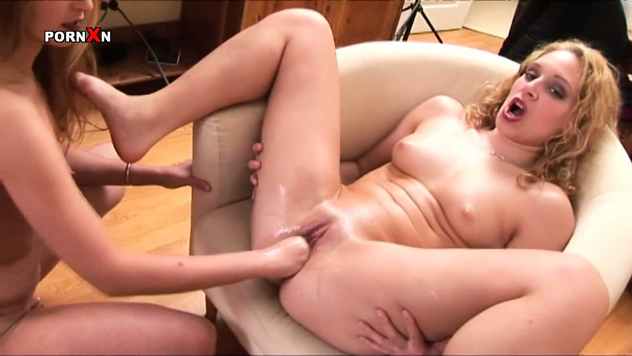 Porno Video of Sightly And Pretty Blonde Katia Know Something About Great Fisting Techniques