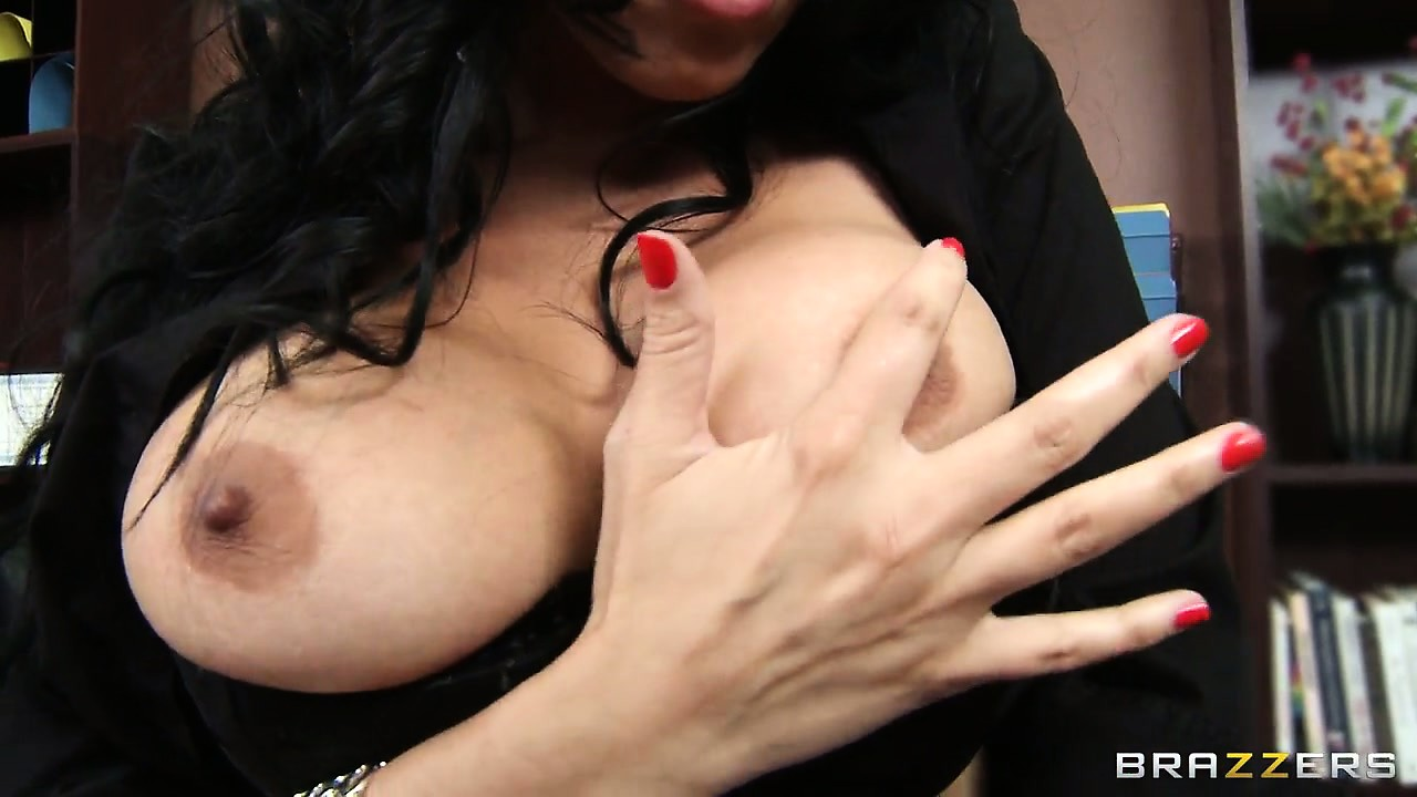 Sex Movie of The Brunette Vulture Secretary Gets A Neck Massage Then Bares Her Big Tits