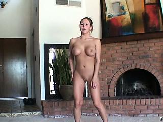 jyväskylä seksi alaston nainen naurunappula