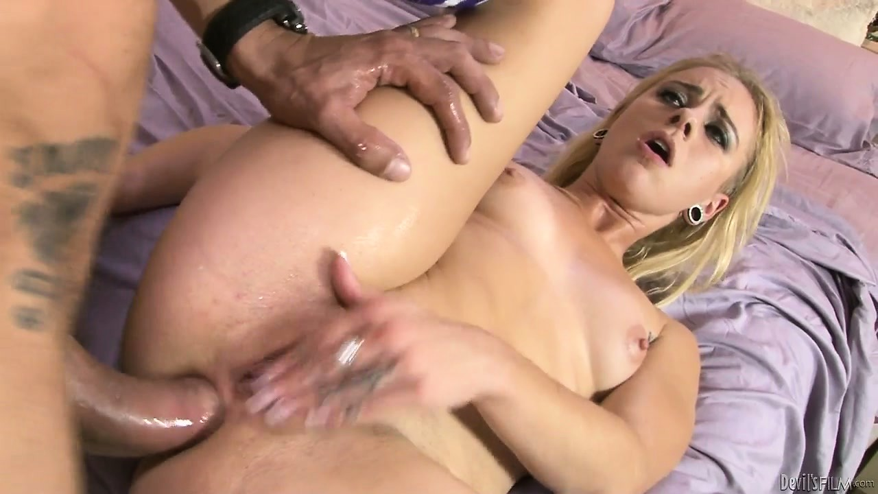 Porn Tube of Hot Blonde Babysitter With Tattoos Is Getting Her Ass Pounded