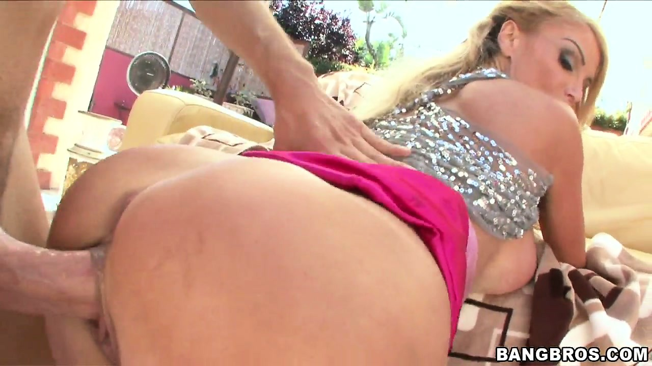 Porn Tube of Blonde Slut Taylor Wane Gets A Pussy Creampie And Blows Cum Bubbles