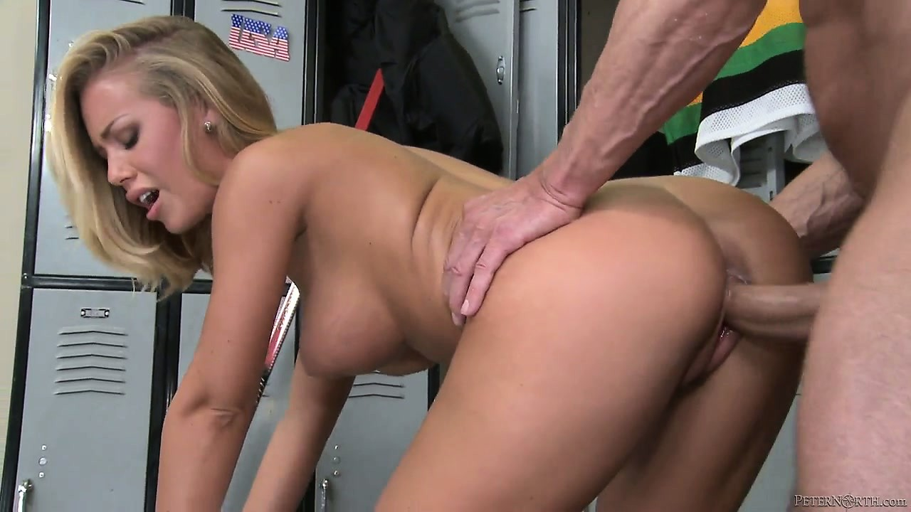 Porno Video of Horny Pornstar Peter North Fucking The Much Younger Nicole Aniston In A Hot Old-young Porno
