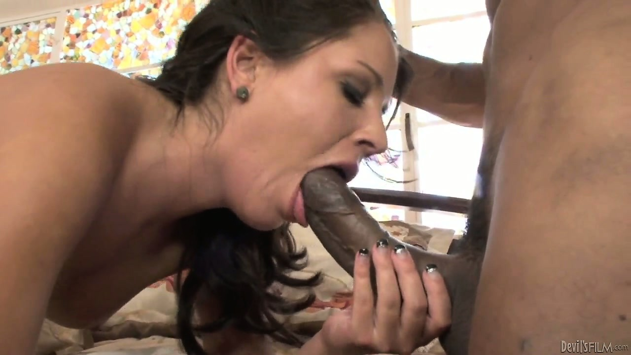 Porno Video of Justin Long And Missy Maze Enjoy Some Hardcore Interracial Twat Ramming