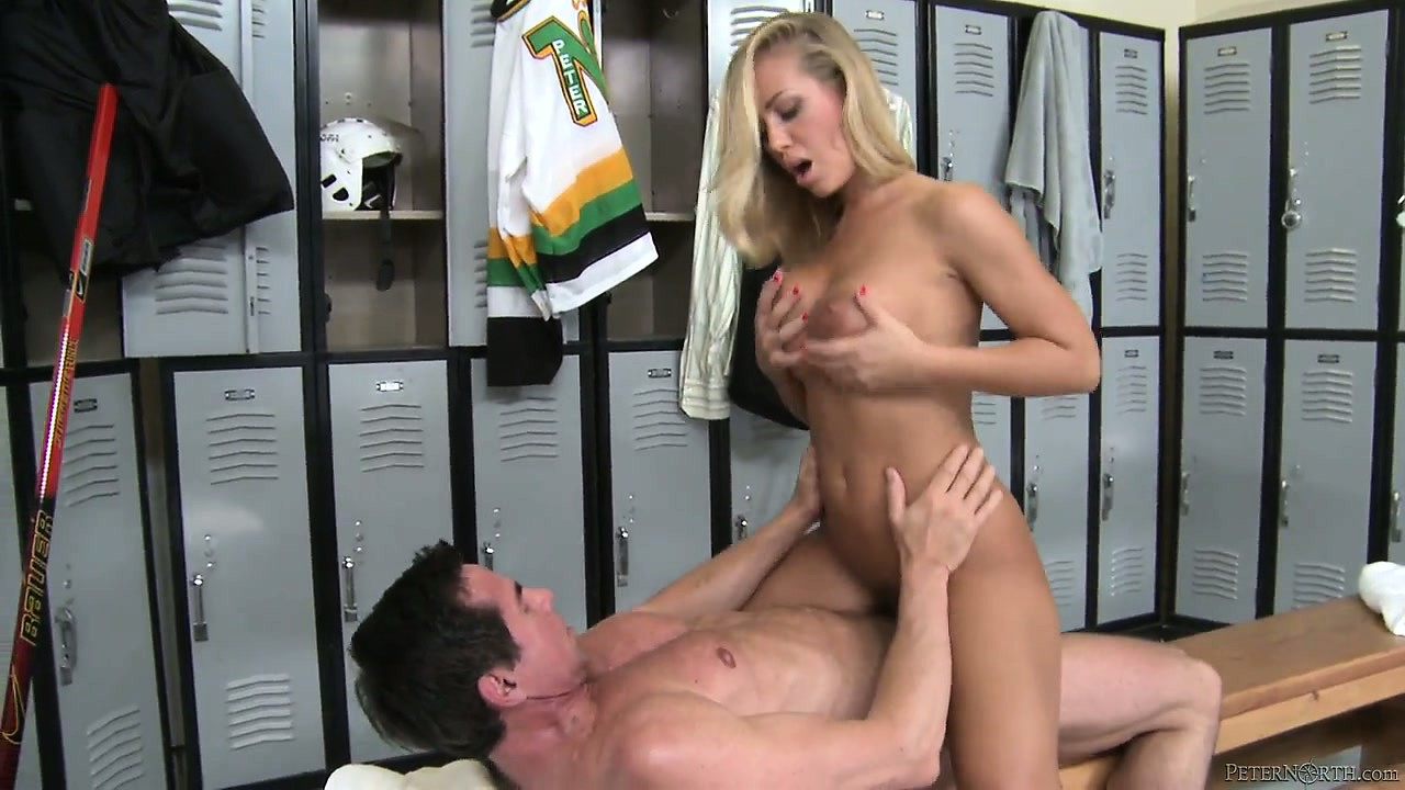 Porno Video of Hot Blondie Sits On Hit Rod And Rides It Like A Bucking Bronco In The Locker Room