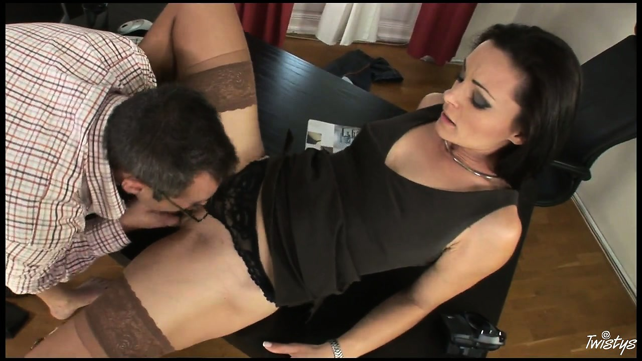 Porn Tube of After Some Good Head He Goes Down On His Secretary And Licks Her Slit