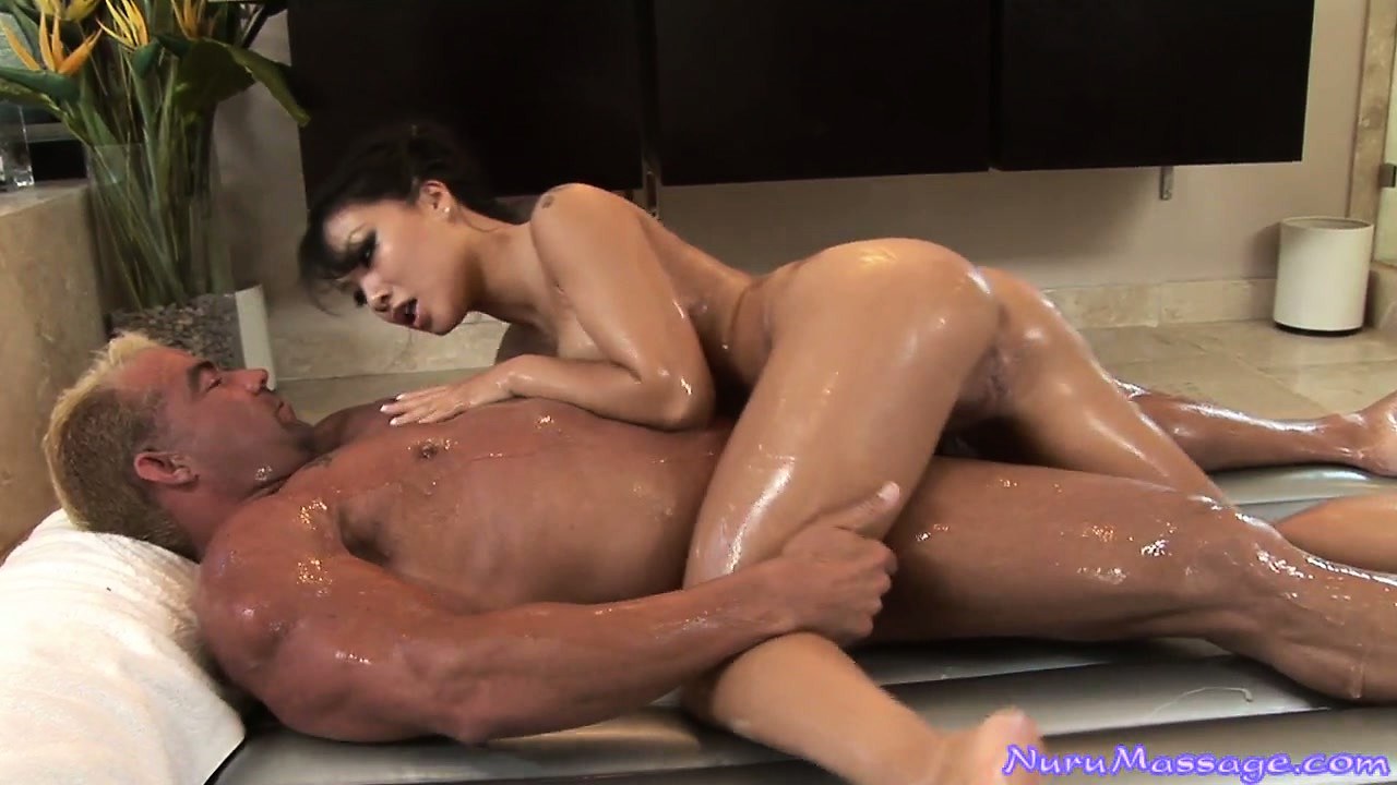 Porno Video of Nice Oily Massage And This Asian Babe Blows And Jacks Him Off