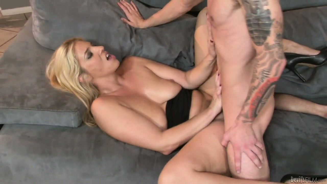 Porn Tube of Blonde Cougar Has Saggy Tits But She Gives Hot Head And Has A Tight Cunt