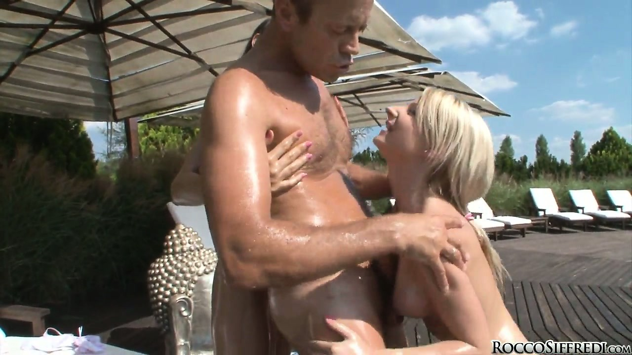 Porn Tube of Oiled Bitches With Long Legs Caress Delicious Beaver-cleaver Of Rocco
