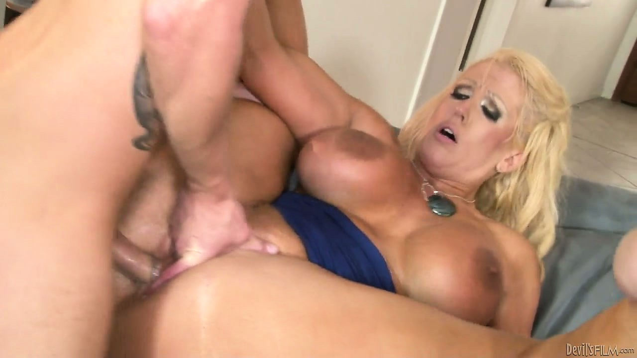 Porno Video of Cougar Slut Fucking Her Son In Law In An Old-young Porn Video
