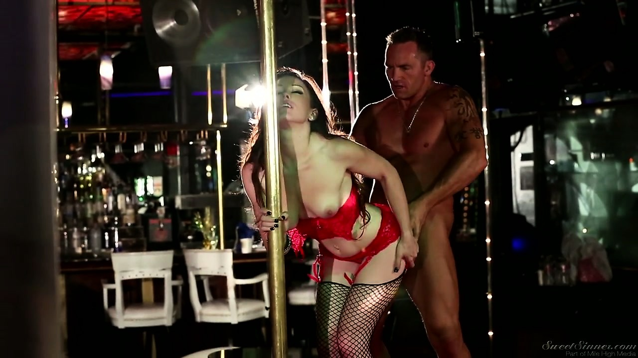 Porno Video of Brunette Stripper Fucked From Behind In A Hot Hardcore Fuck Scene