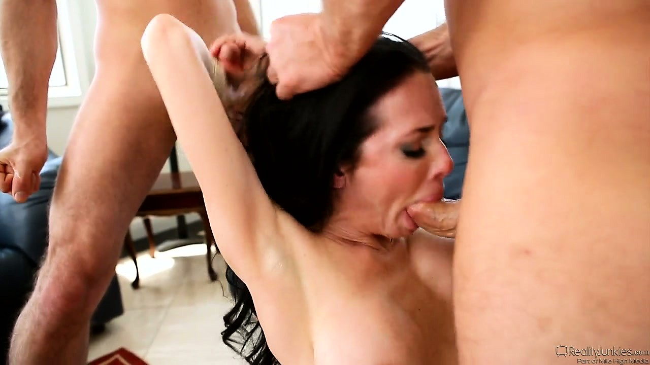 Porno Video of He Talked His Wife Into Hot Double Penetration But They Started With A Blowjob
