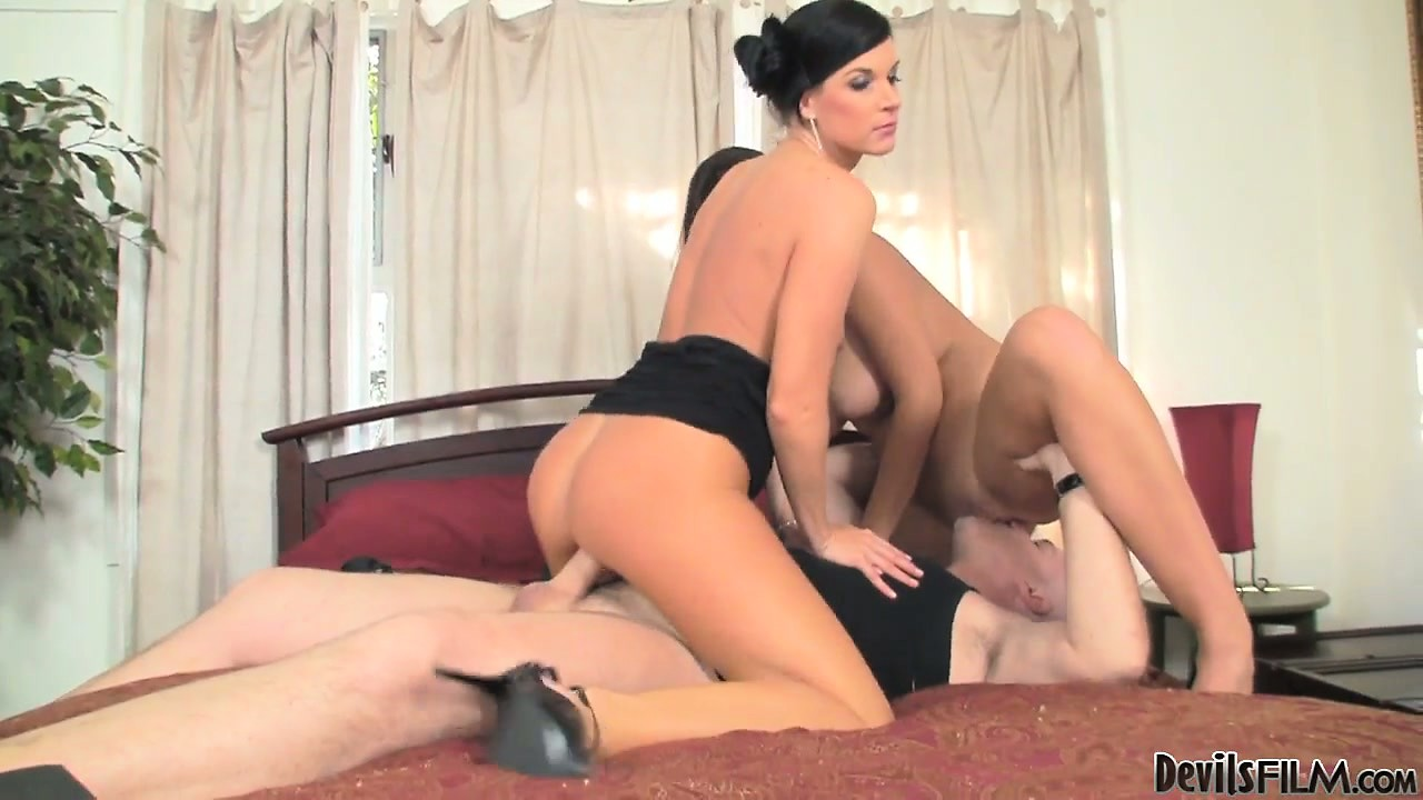 Sex Movie of Mom And Daughter Take Turns Riding His Rod In Mouth Or Pussy