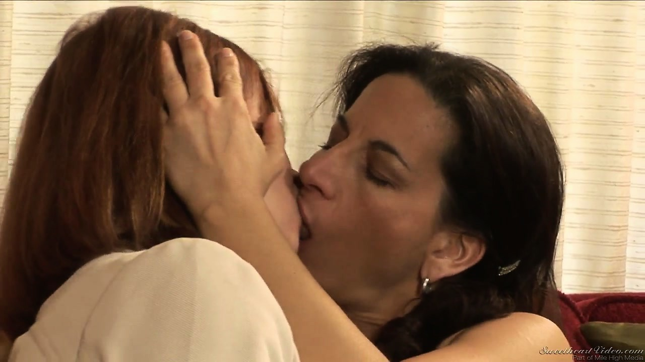 Porno Video of Porn Legends Get Together For Some Slurpy, Wet Kissing And Cunt Licking
