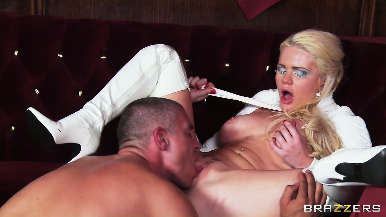 Porno Video of Busty Blonde Milf Likes Hot Sex In The Hellfire Club After Dinner