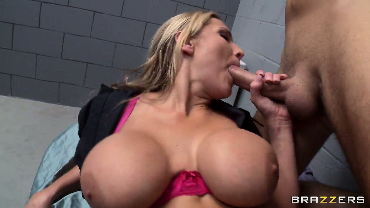 Porno Video of She Lays Down And Gets Her Trimmed Pussy Drilled And Sucks In Between
