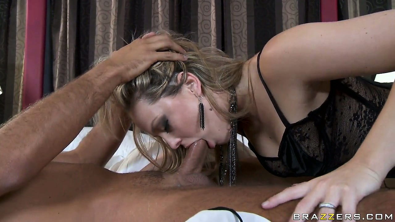 Porn Tube of Alexis Texas Is A Good Cock Sucker, As She Shows In A Steamy Blowjob Session With A Bald Dude