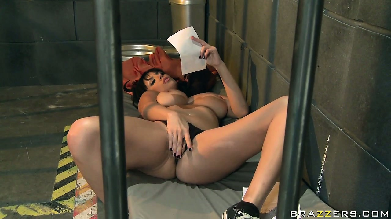 Porno Video of Sweet Lesbians Making Out In The Prison Cell In A Porno Featuring Ann Marie Rios And Jelena Jensen